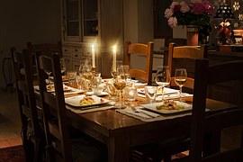 dinner-table-1433494__180