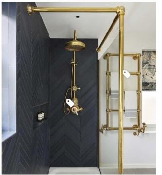 [houzz=https://www.houzz.com/photo/85952785-case-study-be-bold-with-brass-traditional-bathroom-london]